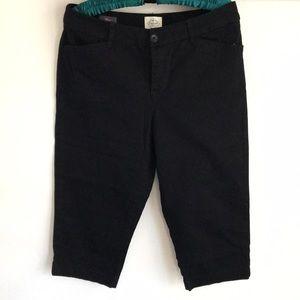St John's Bay Women's crop pants